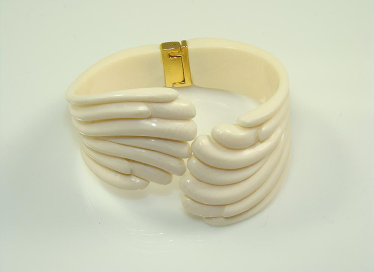 ivory-bangle-swirl